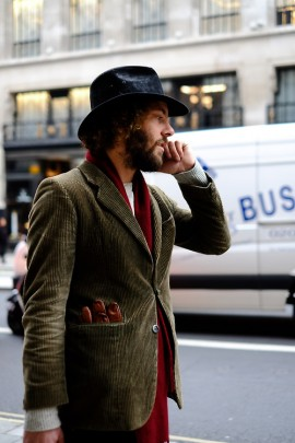 brown-corduroy-jacket-streetstyle