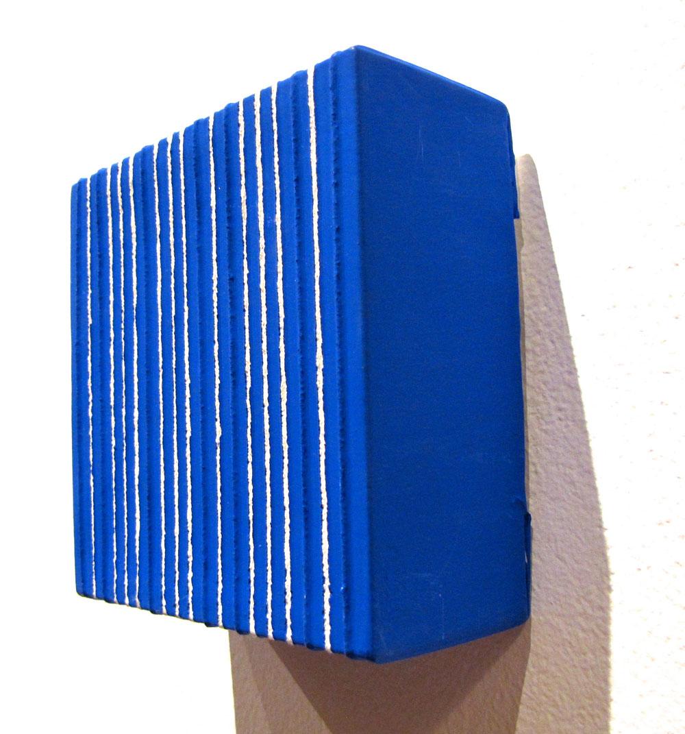 Lorenzo Taini, Teoria in blu, 2013 - 10x10x4cm, Embroidery on canvas